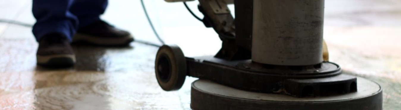 Top 5 Benefits of Using Industrial Cleaning Equipment
